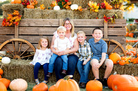 Pumpkin Patch Minis :: Amber & Family